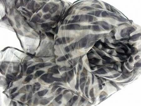 58fc77263b8d foulard hermes pas cher neuf,foulard femme cdiscount,femme foulard rouge  django